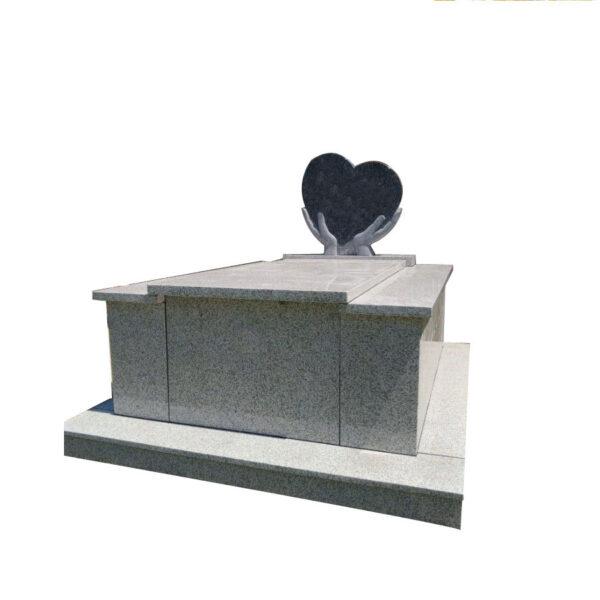 Caveau stèle en sculpture à main